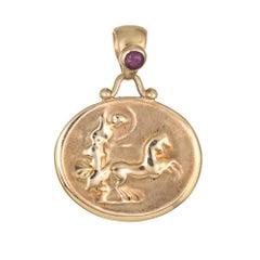 Etruscan Pendant Ruby 14 Karat Gold Gladiator Enhancer Estate Jewelry Oval