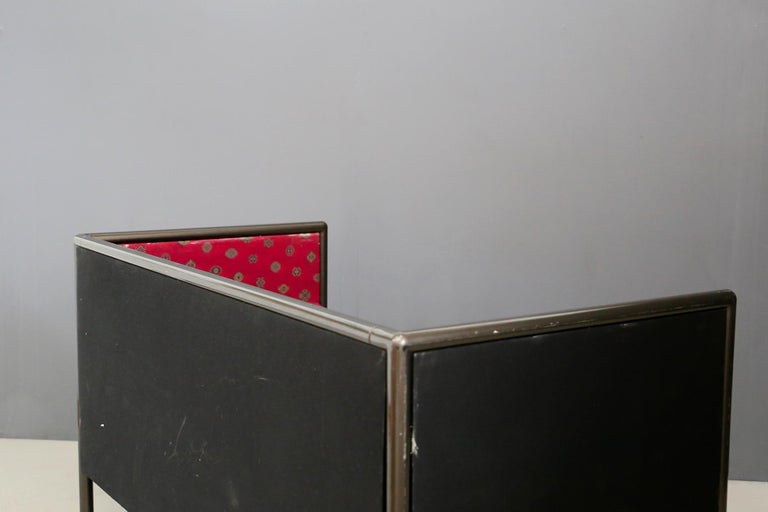 Ettore Sottsass for Cassina Postmodern Sofa Model Danube in Red Fabric, 1990s In Good Condition For Sale In Milano, IT