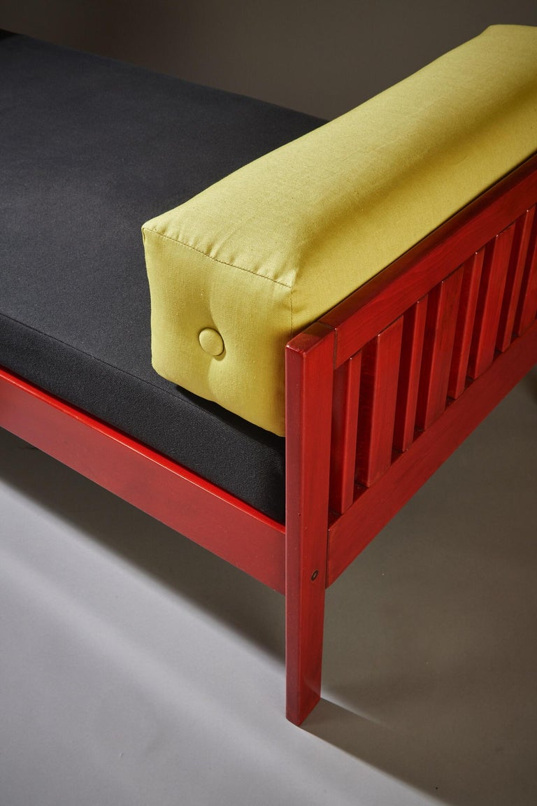 Ettore Sottsass Daybed, Red Lacquered Wood, Chartreuse Upholstery, Italy c. 1962 For Sale 7
