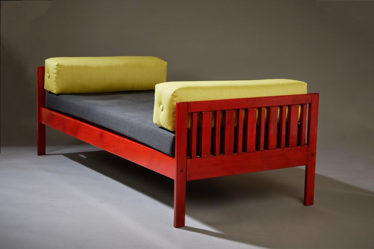 Mid-20th Century Ettore Sottsass Daybed, Red Lacquered Wood, Chartreuse Upholstery, Italy c. 1962 For Sale