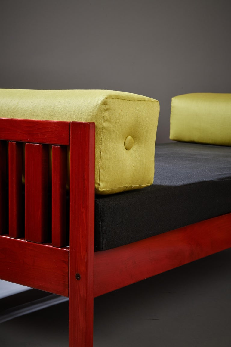 Ettore Sottsass Daybed, Red Lacquered Wood, Chartreuse Upholstery, Italy c. 1962 For Sale 6