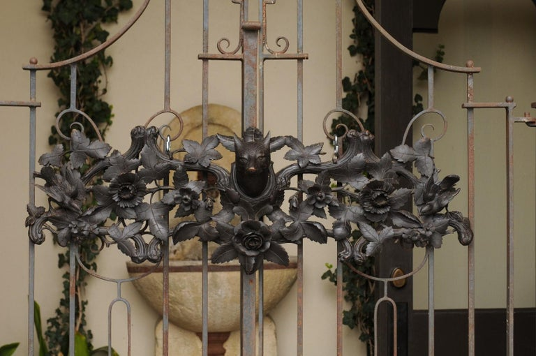 European Hand Carved Wall Decor with Fox Head and Foliage, circa 1900 For Sale 1