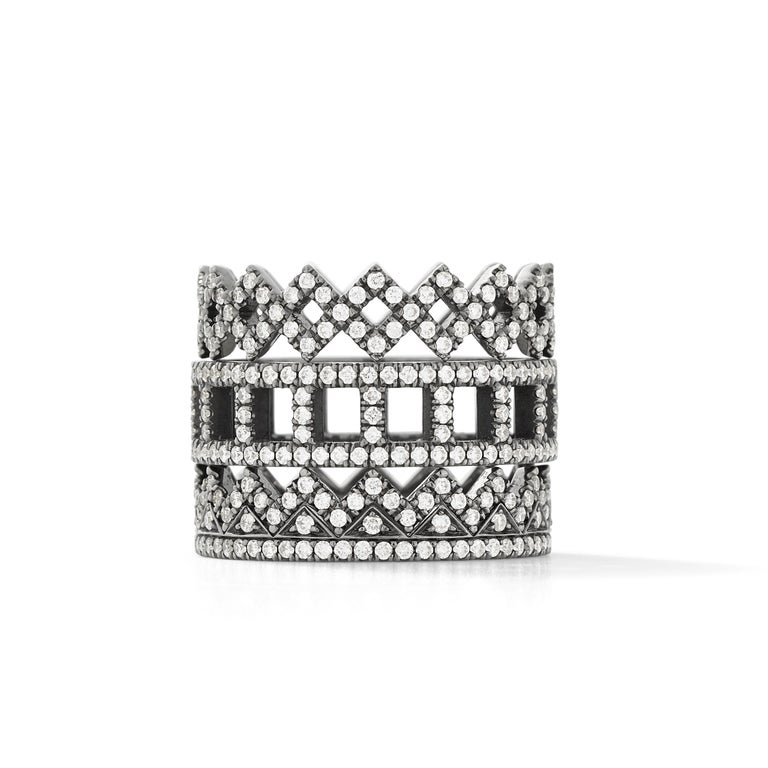 Eva Fehren Ziggy Band in 18 Karat Blackened White Gold with White Diamond Pavé In New Condition For Sale In New York, NY