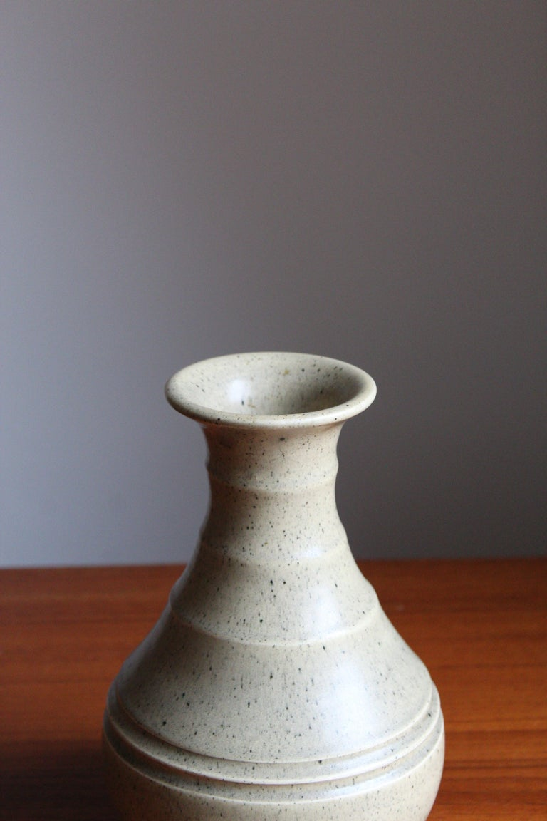 Eva Jancke Björk, Vase, Glazed Stoneware, for Bo Fajans, Sweden, 1930s In Good Condition For Sale In West Palm Beach, FL