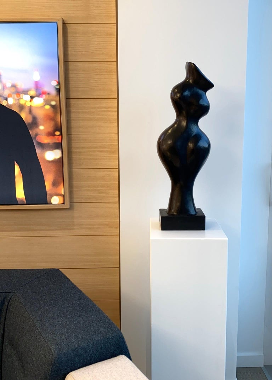 Evelyne Brader-Frank Figurative Sculpture - Belle