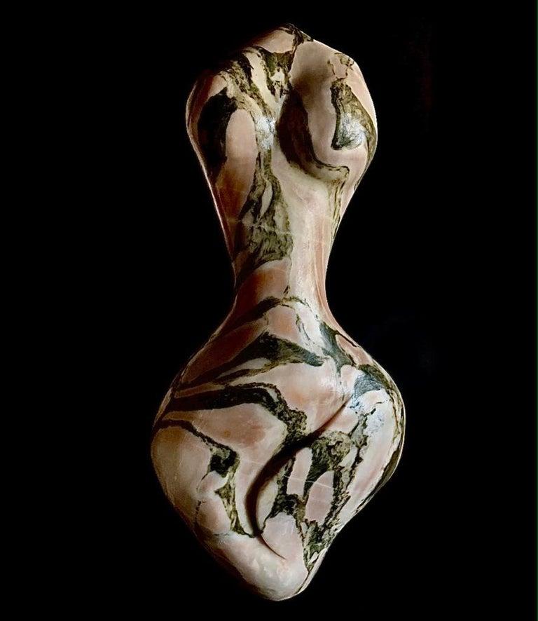 Evelyne Brader-Frank Figurative Sculpture - Neya