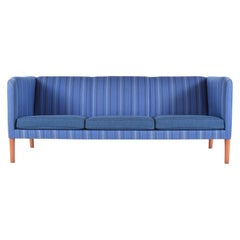 Even Arm Sofa by Hans Wegner