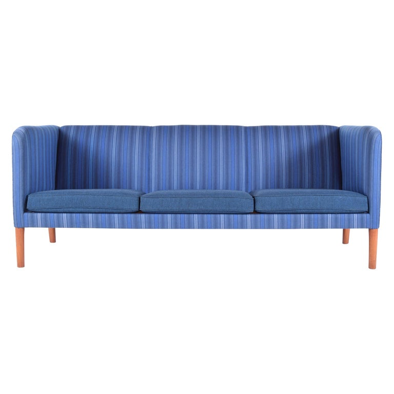 Even Arm Sofa by Hans Wegner For Sale