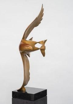 Roofvogel met Vis no. 4 ( Bird of Prey with Fish) Bronze Sculpture In Stock