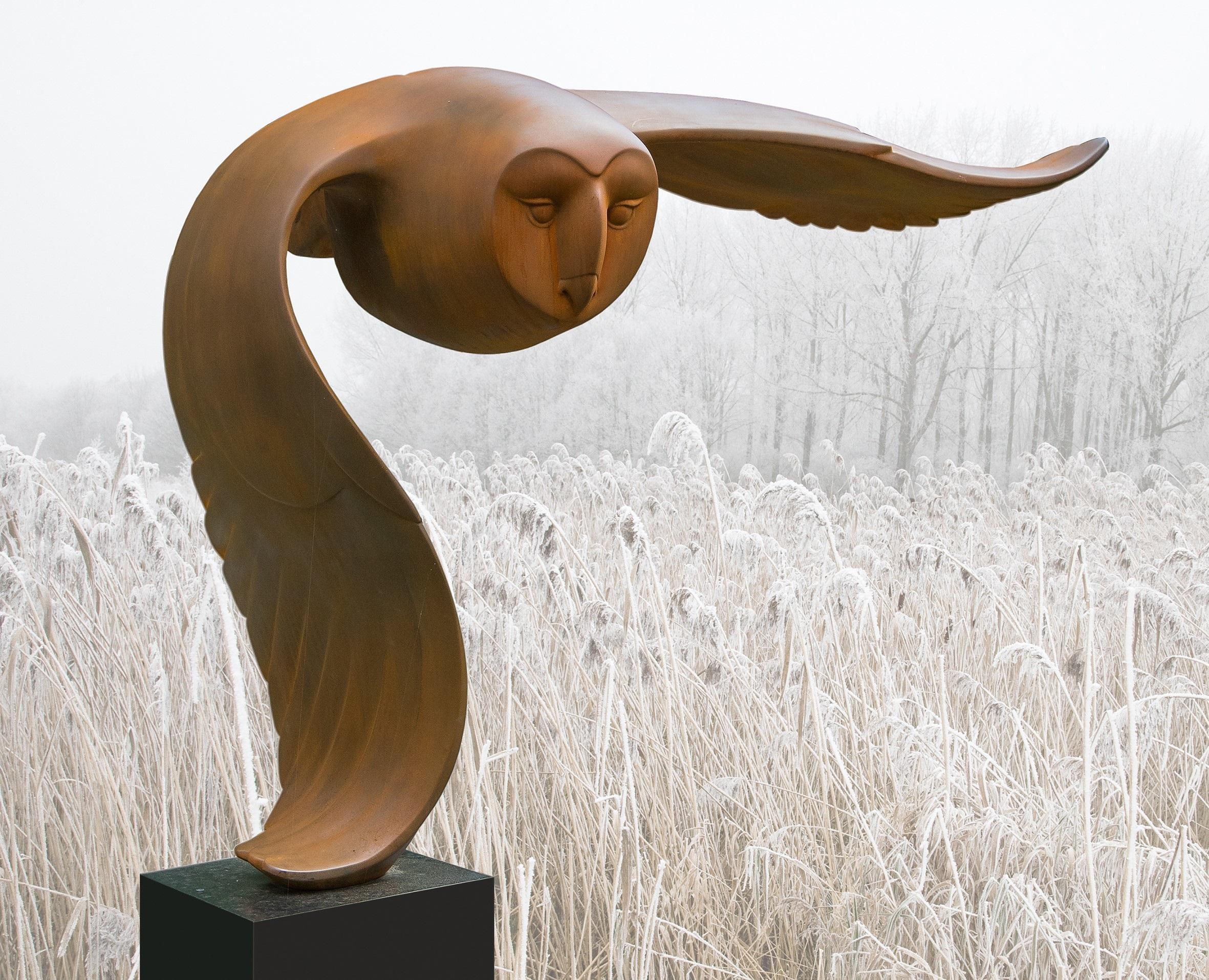 Vliegende uil Flying Owl Polyester Cortensteel Big Bird Sculpture In Stock
