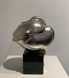 Zittend Eendje (Sitting duck) Resin White Golden Sculpture Silver Bird In Stock