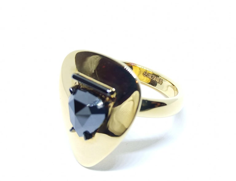 Evoke Awe with Contemporary One of a Kind Black Rosecut Diamond Green Gold Ring In New Condition For Sale In NEW DELHI, IN
