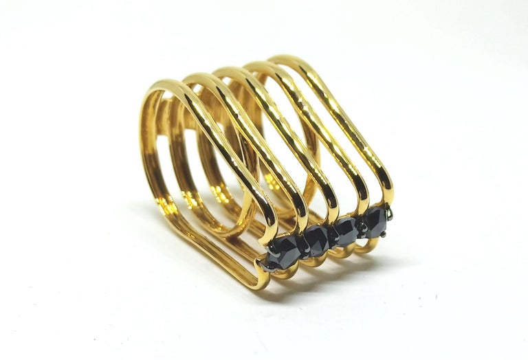 Rose Cut Evoke Awe with One of a Kind Black Diamond 18 Karat Yellow Gold Fashion Ring For Sale