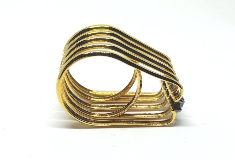 Evoke Awe with One of a Kind Black Diamond 18 Karat Yellow Gold Fashion Ring In New Condition For Sale In NEW DELHI, IN