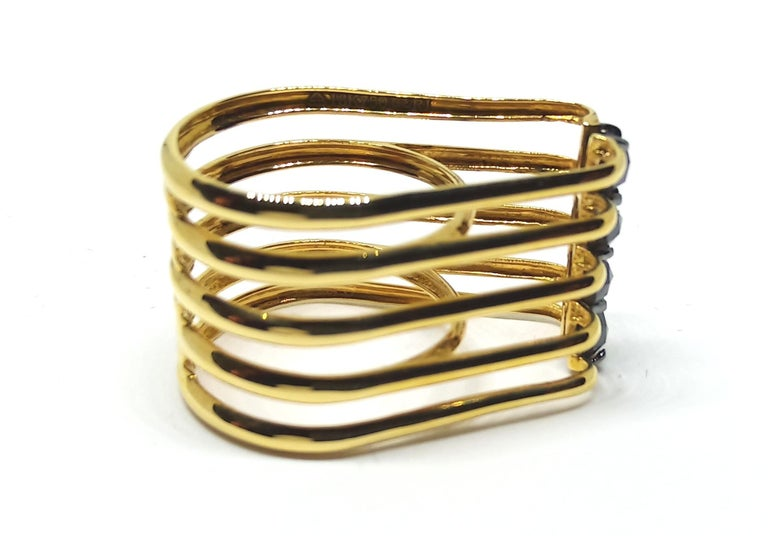 Evoke Awe with One of a Kind Black Diamond 18 Karat Yellow Gold Fashion Ring For Sale 3