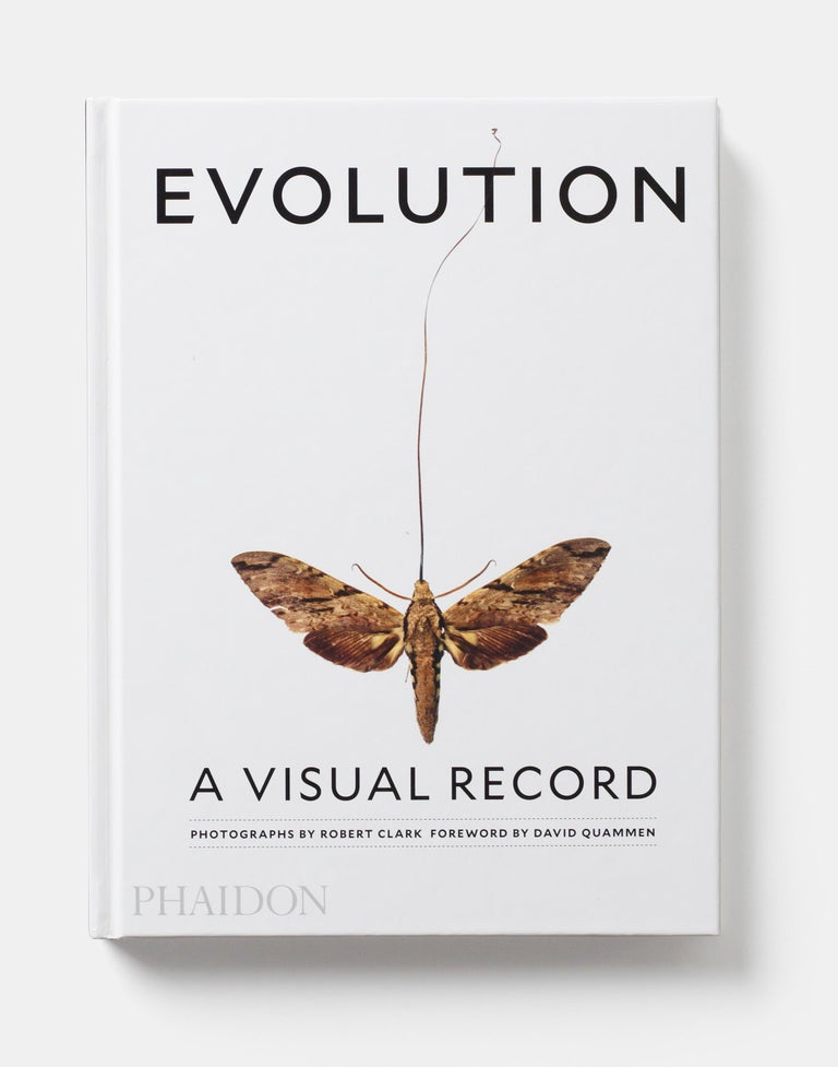 Stunning images to reawaken us to the scientific process that drives the amazing diversity of life on earth    Evidence of evolution is everywhere. Through 200 revelatory images, award-winning photographer Robert Clark makes one of the most