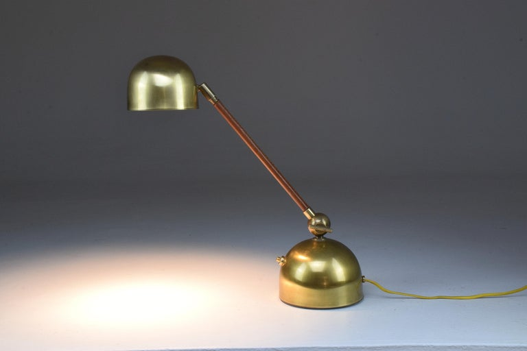Evolution Contemporary Brass Table Lamp, Flow Collection In New Condition For Sale In Paris, FR