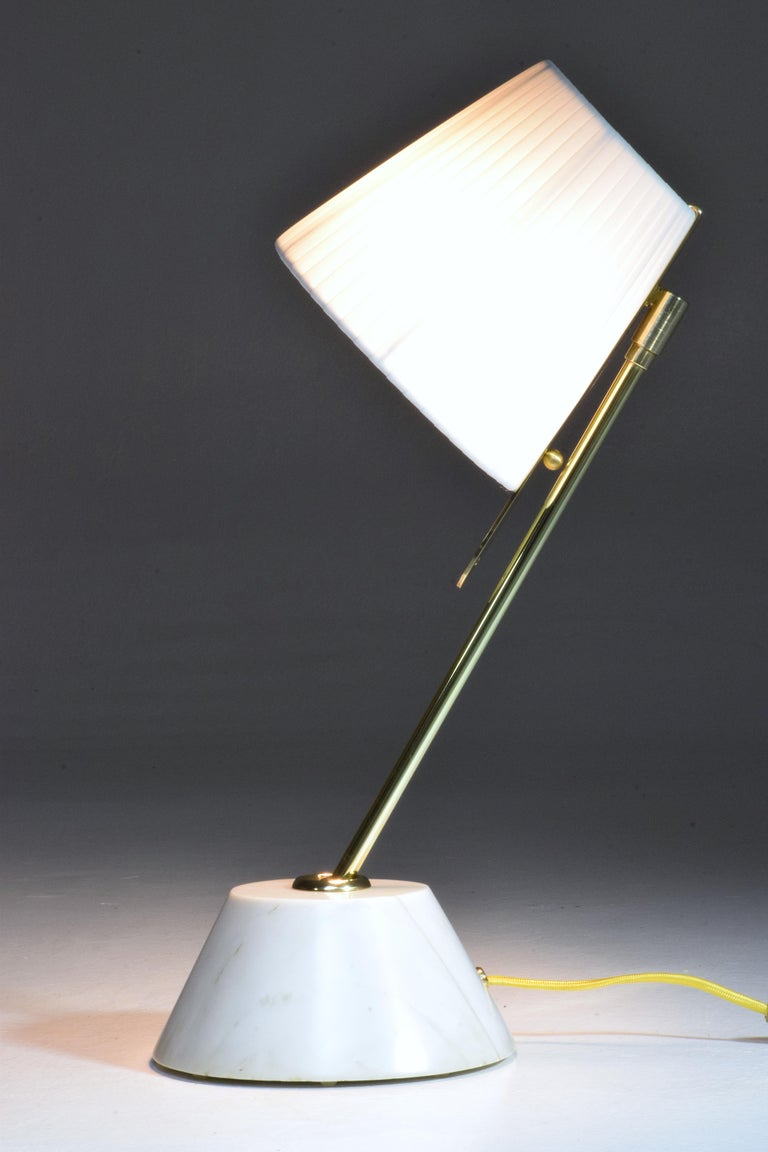 Evolution-III Contemporary Brass Table Lamp, Flow Collection In New Condition For Sale In Paris, FR
