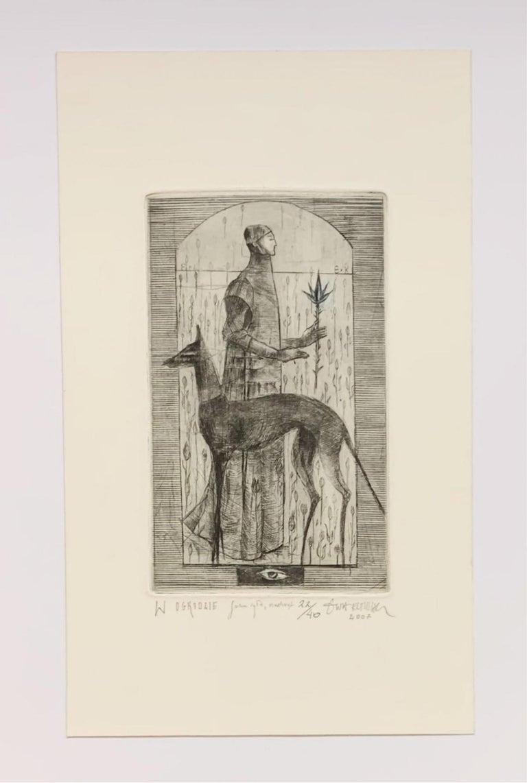 In a garden - Figurative mezzotint print, Limited edition, Black & white, Dog - Print by Ewa Kutylak