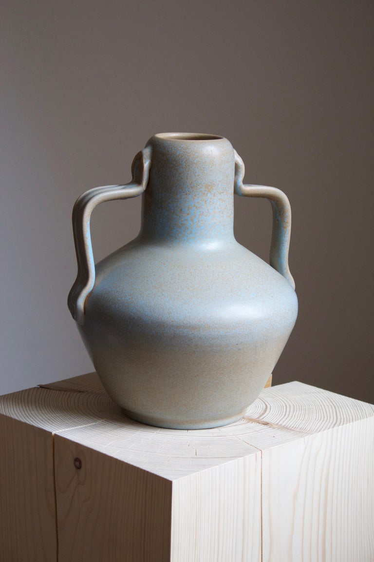 A sizable and rare vase. Designed by Ewald Dahlskog, produced by Bo Fajans, Sweden, 1930s. Marked. This model in this color,