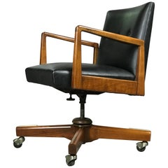 Excellent Swivel & Tilt Executive Desk Chair by Jens Risom