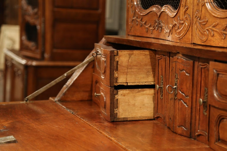 18th Century French Louis XV Carved Walnut Bombe Secretary Bookcase For Sale 10