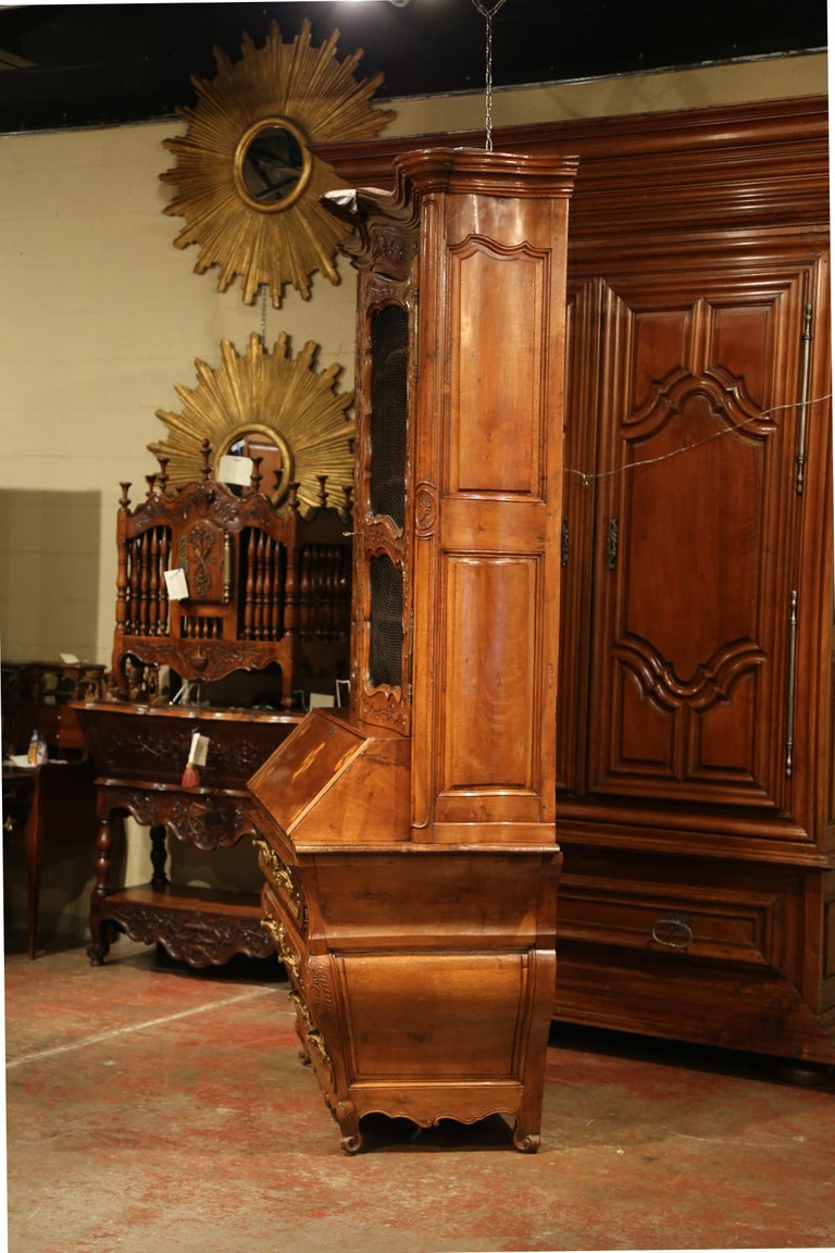 18th Century French Louis XV Carved Walnut Bombe Secretary Bookcase For Sale 11