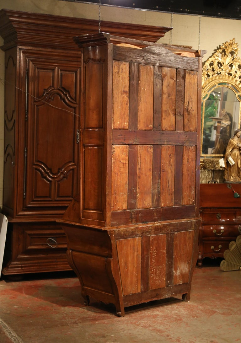 18th Century French Louis XV Carved Walnut Bombe Secretary Bookcase For Sale 13