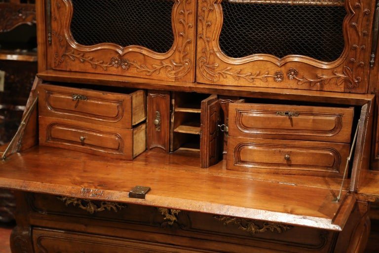 18th Century French Louis XV Carved Walnut Bombe Secretary Bookcase For Sale 1
