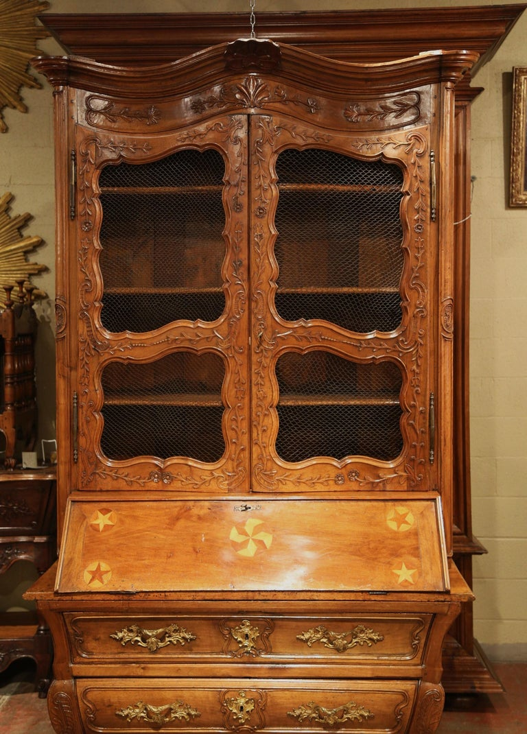 18th Century French Louis XV Carved Walnut Bombe Secretary Bookcase For Sale 3