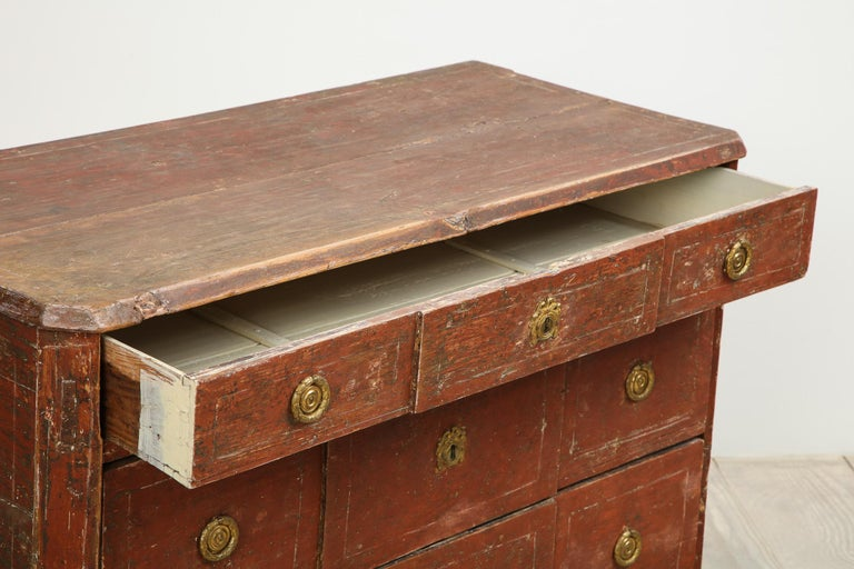 Exceptional 18th Century Gustavian Commode, Origin Stockholm, Sweden, circa 1780 In Excellent Condition For Sale In New York, NY