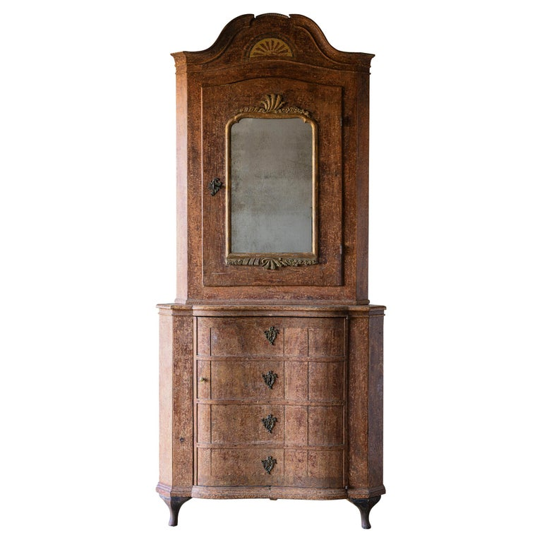 Exceptional 18th Century Rococo Corner Cabinet For Sale