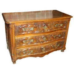 Exceptional 18th Century Walnut Commode