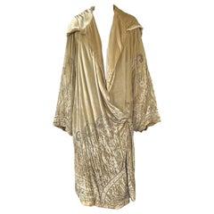 Exceptional 1920s Gold Silk Velvet Beaded Art Deco Wide Sleeve Coat