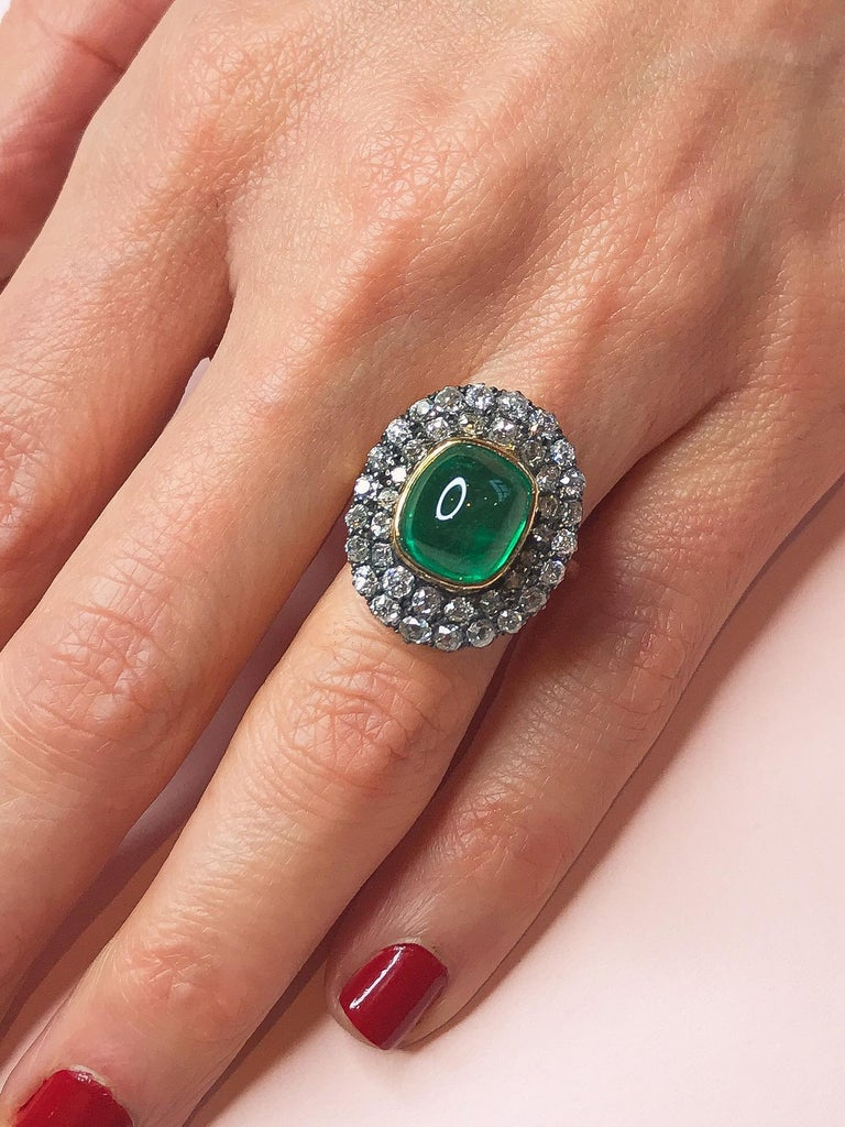 Georgian Exceptional 7.12 Carat Cabochon Emerald and Diamond Ring For Sale
