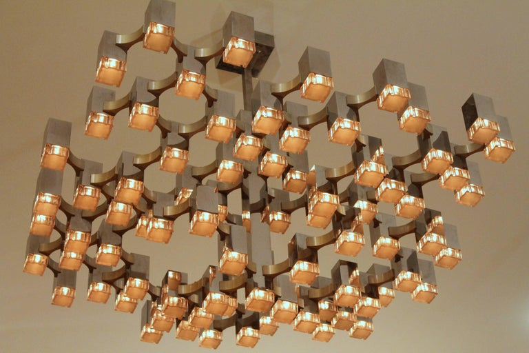 Exceptional 81 Cubes Sciolari Chrome Chandelier, 1970s, Italy In Good Condition For Sale In St- Leonard, Quebec
