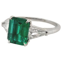 Exceptional AGL Certified 1.60 Carat Emerald Diamond Engagement Ring
