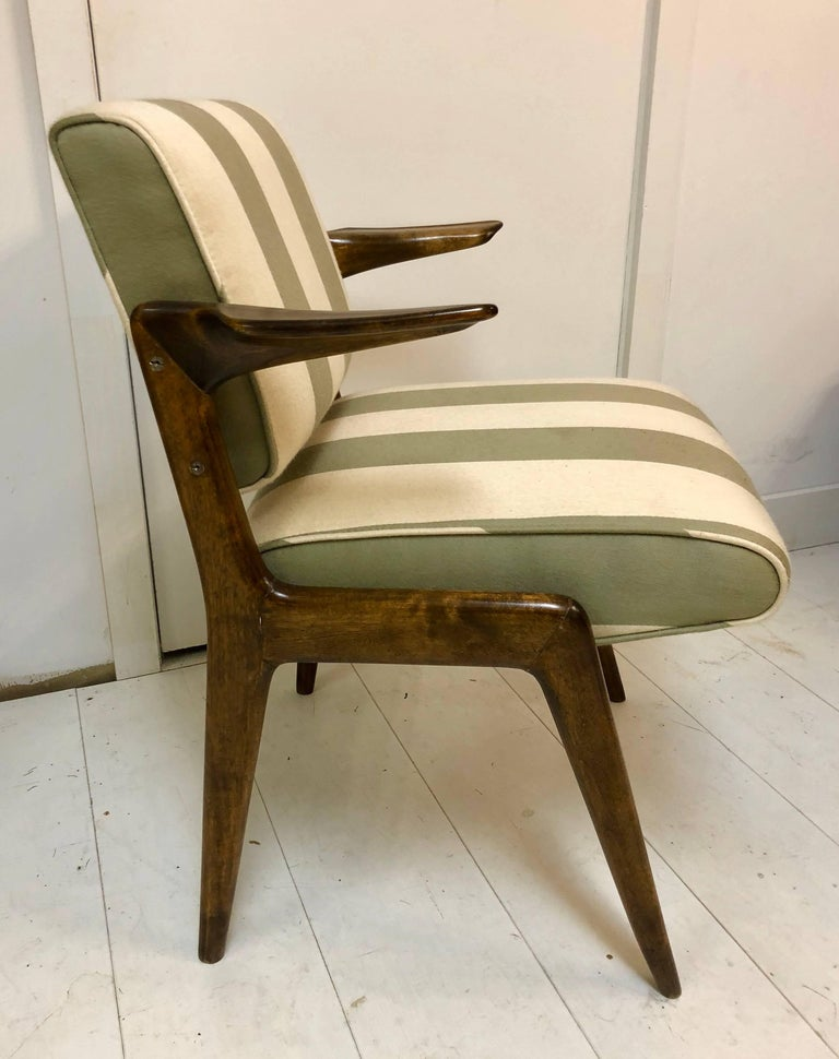 Exceptional and Rare Armchair by Robin Day In Good Condition For Sale In Hudson, NY