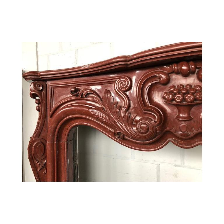 LOUIS XV Antique Fireplace in Red Marble 18th Century For Sale 1