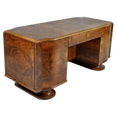 Exceptional Art Deco Desk in French Walnut and Mahogany