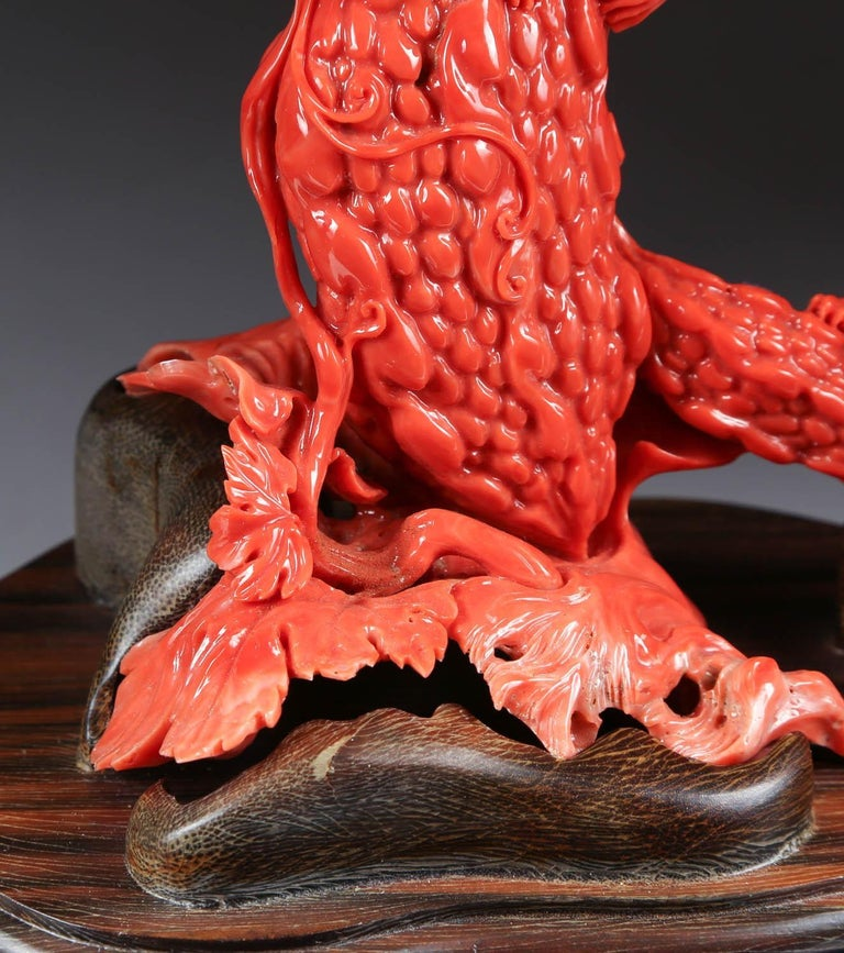 Exceptional Chinese Carved Coral Tree Branch with Monkeys and Squirrels, Qing For Sale 3
