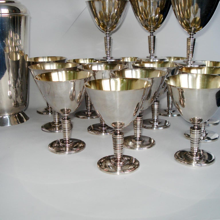 Art Deco Exceptional Cocktail Shaker and Sixteen Martini Goblets For Sale 2