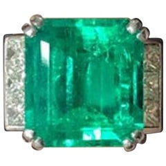 Exceptional Colombian Emerald 13 Carat Set in 18 Carat White Gold