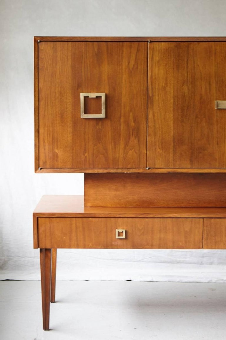 Mid-Century Modern Custom Made Walnut Sideboard or Credenza with Brass Hardware, circa 1940s For Sale