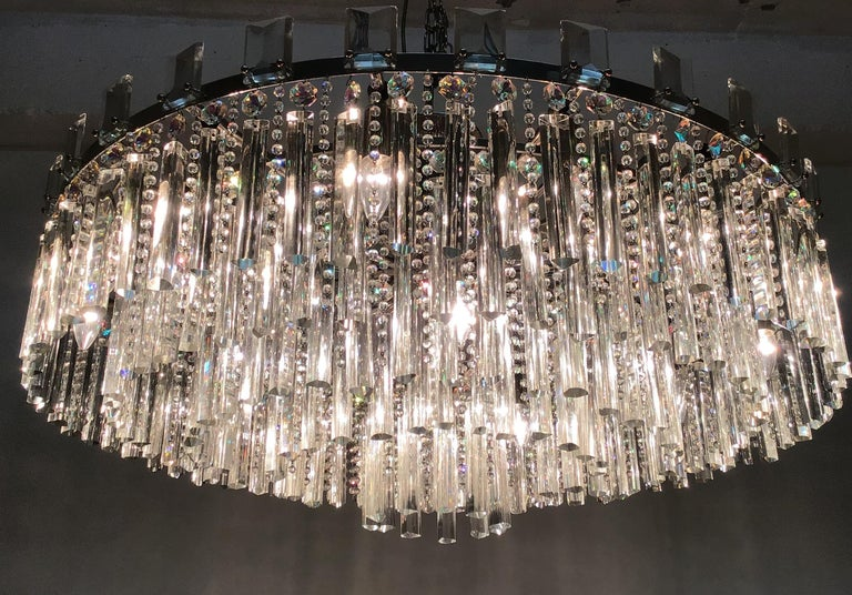 Austrian Exceptional Cut Crystal Chandelier by Bakalowits, Austria, circa 1950s For Sale
