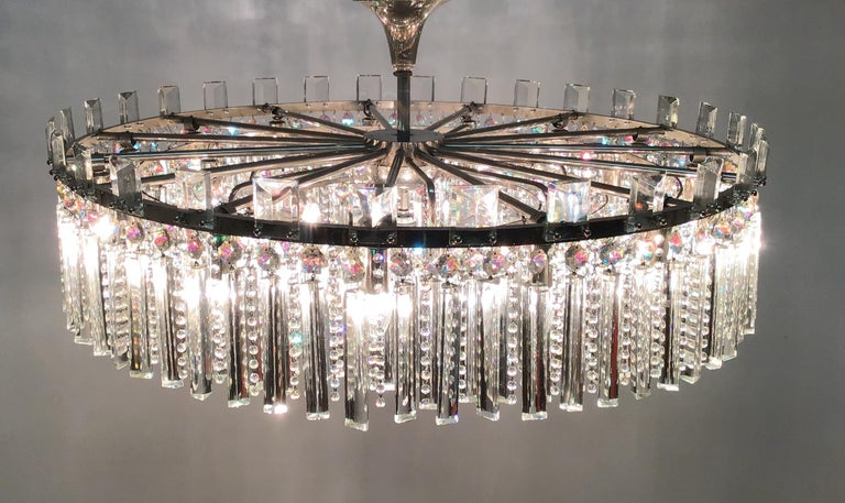 Exceptional Cut Crystal Chandelier by Bakalowits, Austria, circa 1950s In Good Condition For Sale In Wiesbaden, Hessen