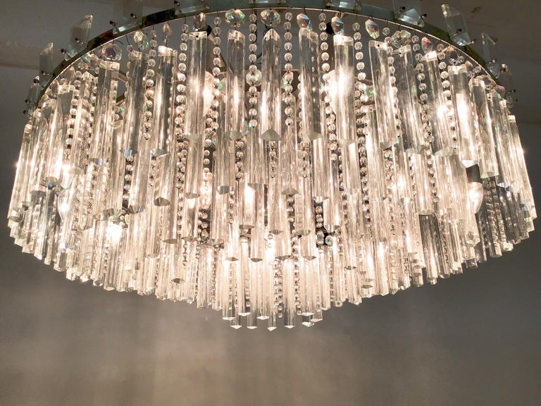 Mid-20th Century Exceptional Cut Crystal Chandelier by Bakalowits, Austria, circa 1950s For Sale