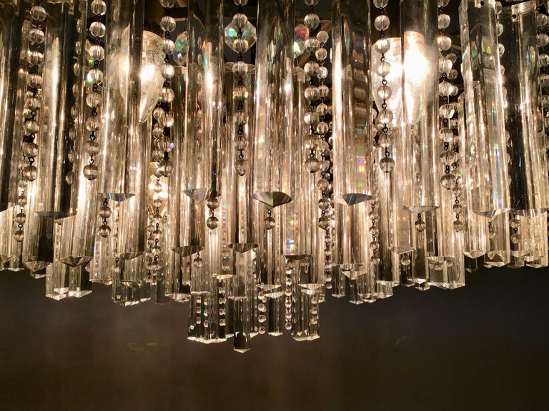 Exceptional Cut Crystal Chandelier by Bakalowits, Austria, circa 1950s For Sale 1
