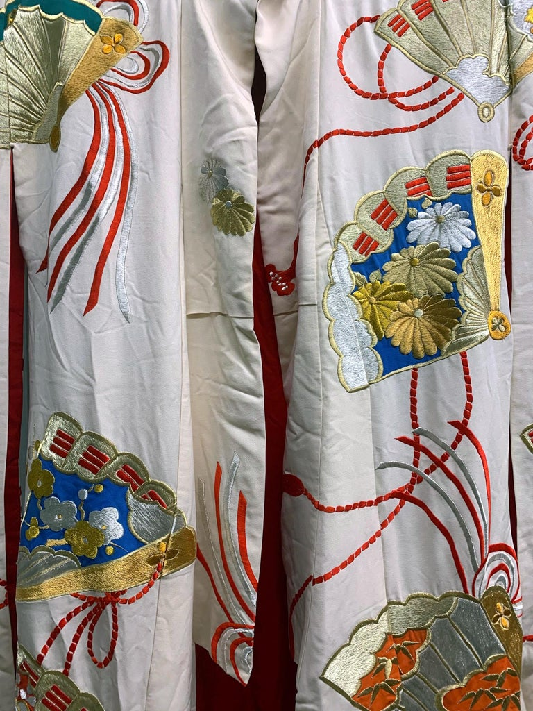 Exceptional Embroidered Vintage Japanese Ceremonial Kimono For Sale 4