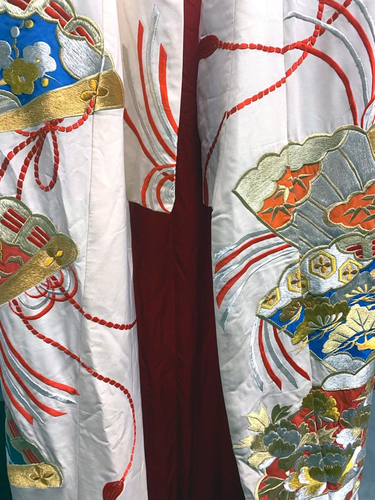 Exceptional Embroidered Vintage Japanese Ceremonial Kimono For Sale 5